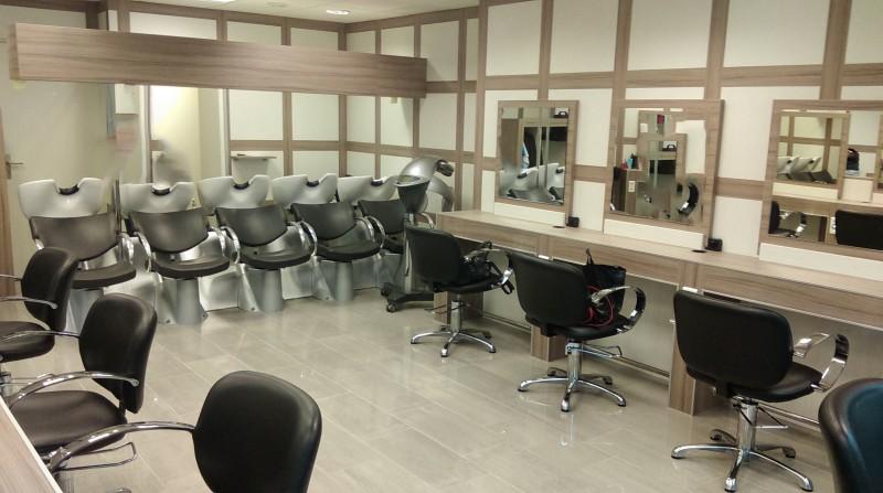 Diagonale coiffure st dizier coiffures modernes et for Salon de coiffure st sauveur