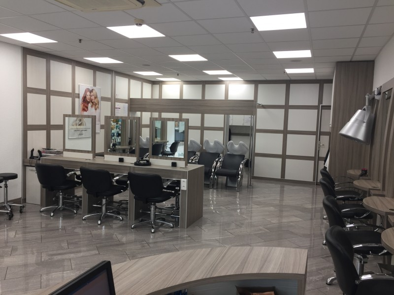 Diagonal coiffure mondelange centre commercial cora - Salon de coiffure diagonal ...